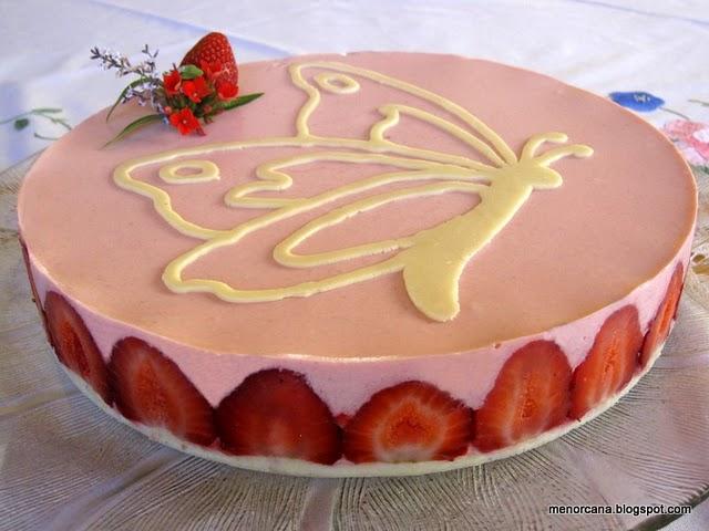 Tarta de yogurt y fresas