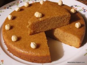 Hoy me apetecía comer bizcocho y me puse a mirar recetas… cuando leí esta, pensé que la textura sería como una tarta de Santiago… pero me equivoqué!!! Es esponjoso, con un aroma muy agradable y lo que más me ha sorprendido: es muy delicado y ligero… yo nunca he mordido una nube… pero me da […]