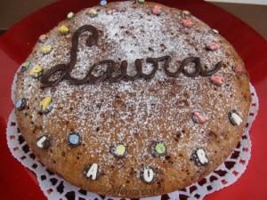 Menudo descubrimiento el bizcocho de galletas!!!!! Hace una semana lo vi en el blog de Alicia y no me resistí a hacerlo… y como nos gustó tanto lo hice también ayer para mi hija…. El relleno puede ser lo que más os guste, chocolate, bombones, incluso manzana o cualquier fruta en trocitos.. por que como […]