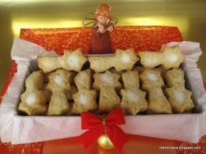 Sigo con los dulces de Navidad, hoy una especialidad de Valencia… unas exquisitas pastas de anís que recuerdan mucho a los mantecados. Son muy fáciles de hacer y duran en perfecto estado un par de semanas… si las escondéis!!!