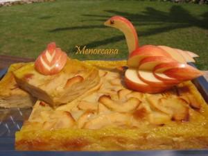 Esta tarta es una delicia para los amantes de la manzana, la vi en el blog de Susana y me pareció muy apetitosa. Y no me equivoqué… está buenisima!!!!