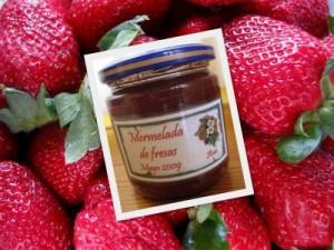 Con las fresas me inicié en la elaboración de mermeladas… y me gustó mucho el resultado. La cantidad de azúcar la pongo a mi gusto… aunque sé que la caducidad es más corta, no me preocupa mucho, ya no dejo que pase mucho tiempo en consumirla!!!