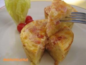 Cuando no tienes pasta brisa ni ganas de hacerla… pues fries patatas forras un molde y la rellenas con lo que te apetezca!!!! Y de esta forma te queda… una Quiche española!!!!!!
