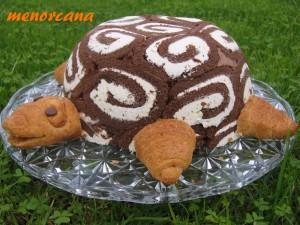 El sábado comimos con los amigos en la casa de San Isidro, y el postre que he llevado ha sido este… una tarta en forma de tortuga. El nombre original de la tarta es GERTRUDIS, pero yo le he cambiado el nombre en honor de esta casa tan bonita… que tenemos suerte de disfrutar. La […]