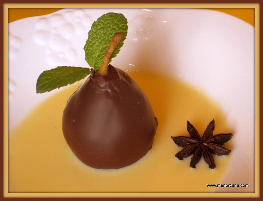 Peras al vino con chocolate y natillas ana en la cocina for Maduras en la cocina