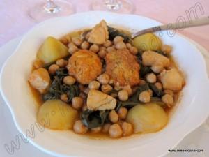 El potaje de Vigilia es una receta tradicional en toda España durante la época de Cuaresma. Los ingredientes principales son los garbanzos y el bacalao, incluyendo según la zona, acelgas o espinacas. Es un plato muy completo y nutritivo, reúne todos los nutrientes esenciales y apenas contiene grasa. De esta forma lo cocina mi madre […]
