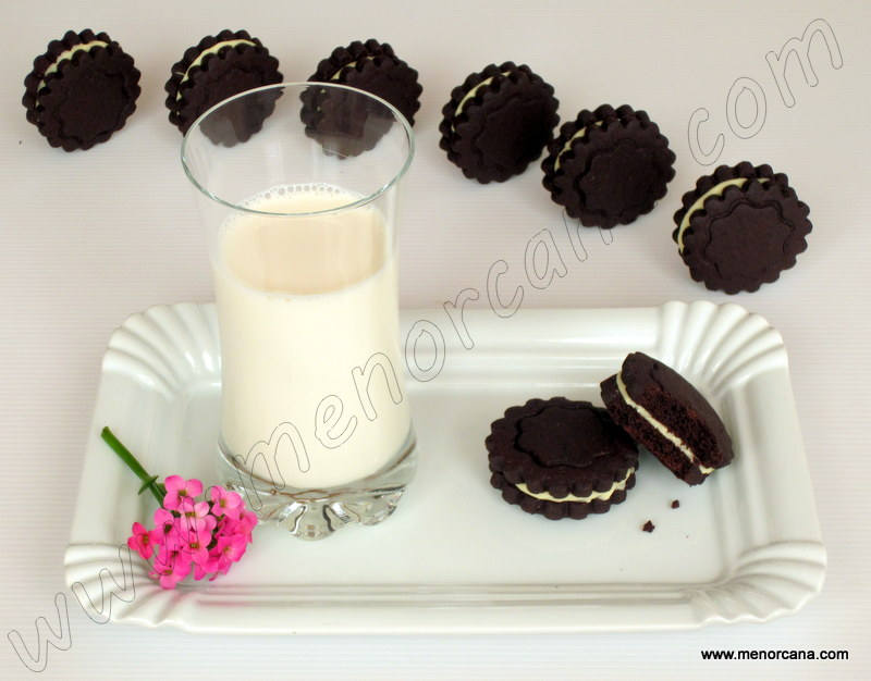 Galletas de chocolate tipo «oreo»