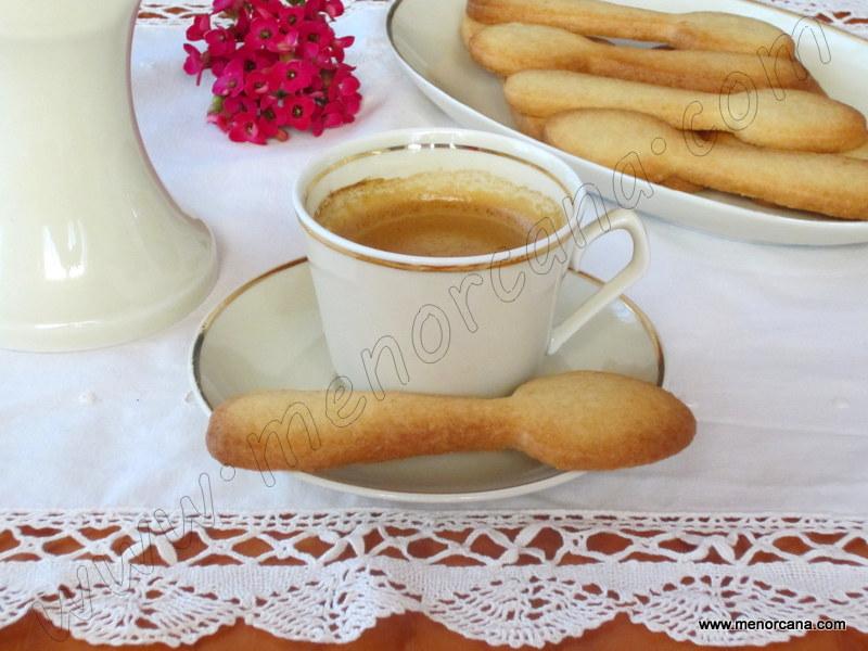 Galletas de mantequilla y avellana