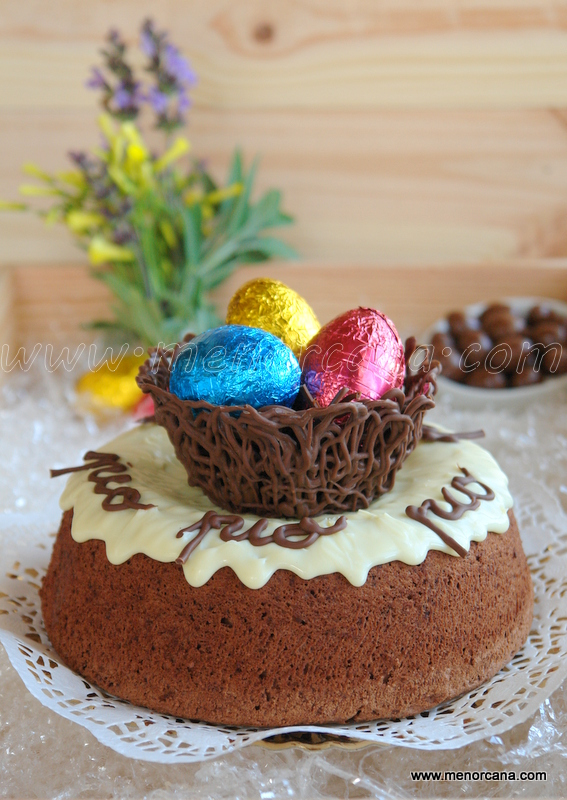 Mona de pascua (Angel food cake de chocolate)
