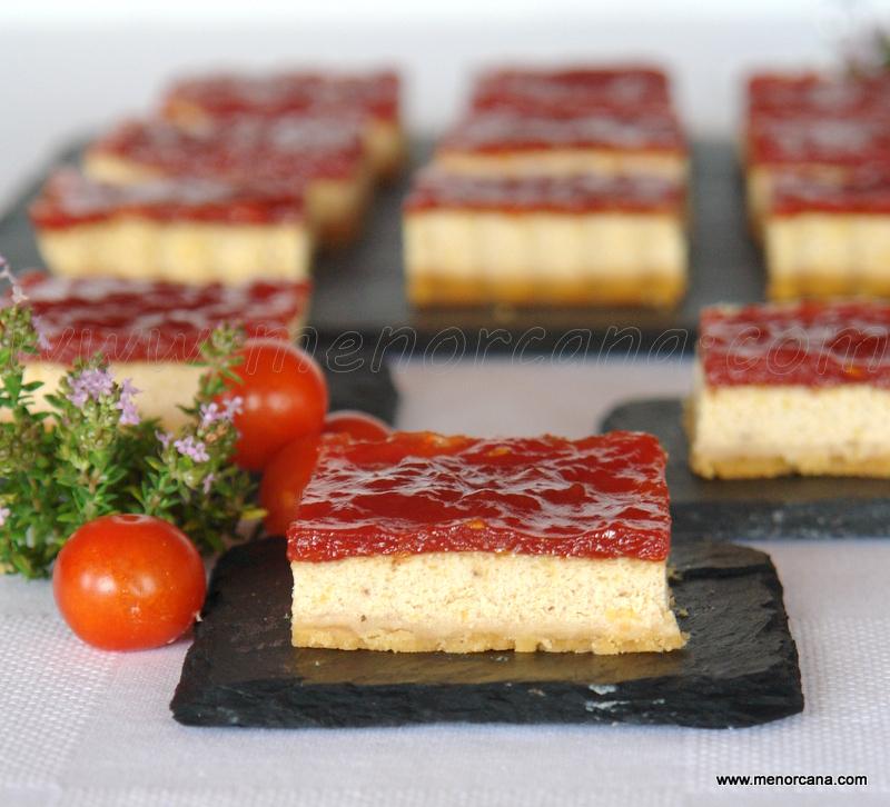 cheesecake de foie con mermelada de tomate