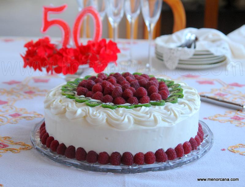 pastel rayado de chocolate y frambuesas