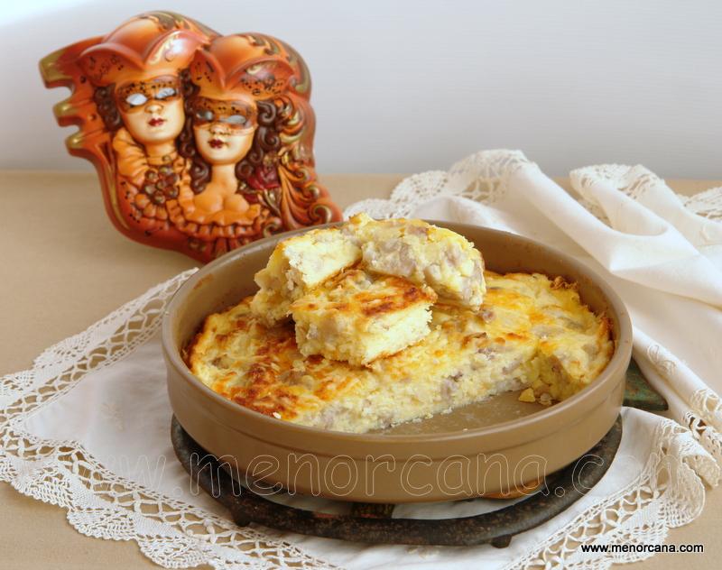 Perol de queso con pies de cerdo (greixera de formatge amb peus de porc)