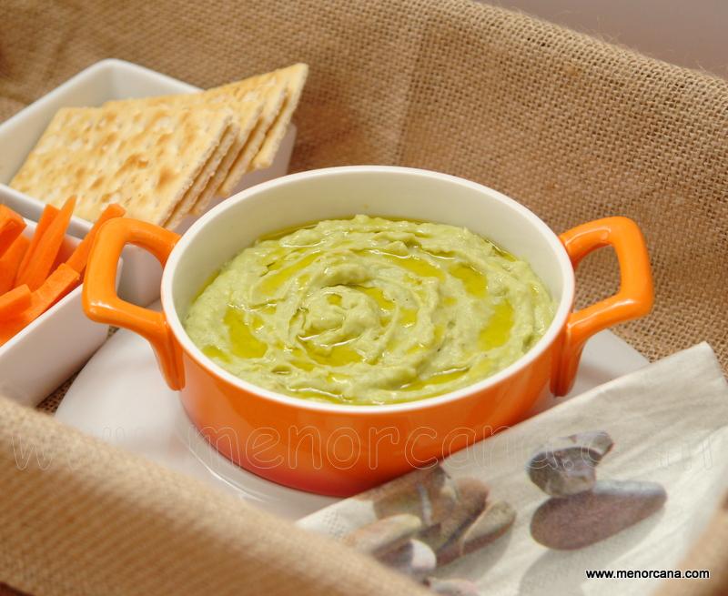 Hummus de alubias y aguacate