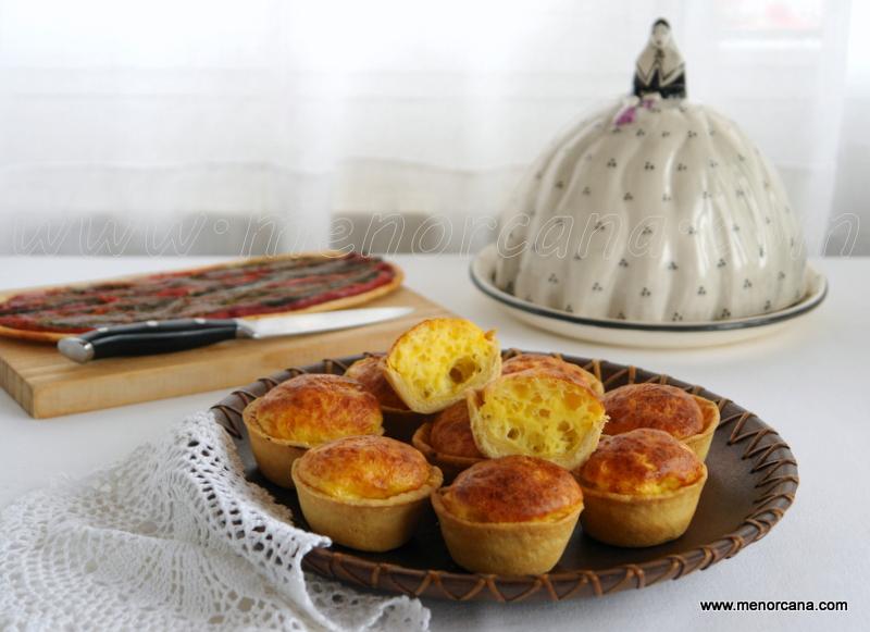 Tartaletas de queso (flaons d'oli)