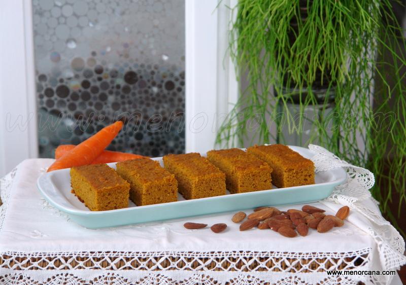 Bizcocho fácil de zanahoria con almendra