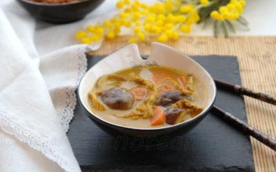 Sopa thay de coco con pollo