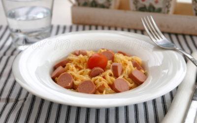 Tallarines de col con feta y tomates secos
