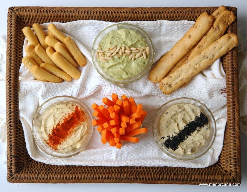 Trio de hummus (natural, pesto y trufa)